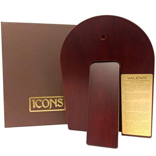 Все иконы имеют сертификат и подарочную коробку